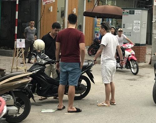Nam ca sĩ tai tiếng Châu Việt Cường bị tố ngang nhiên đánh người giữa phố